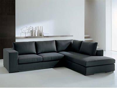 Pakai-Sofa-Dengan-Tambahan-Kaki
